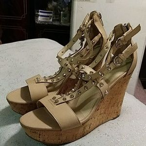 MARC FISHER BEIGE STUDDED WEDGE SANDALS